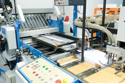 Präziser und qualitativ hochwertiger Offsetdruck von der Druckerei Elmshorn: Falzmaschine Falzen Werbemittel